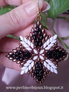 Earrings made with superduo beads.  Orecchini con perline superduo.  www.misshobby.com... www.facebook.com/... perlineebijoux.bl...