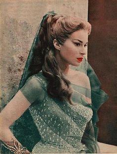 Italian actress Silvana Mangano as Circe in 1955 film Ulysses Akira, Anna Magnani, Cinema, Evolution Of Fashion, New Wave, Star Wars, Vintage Italy, Italian Actress, Old Hollywood Glamour