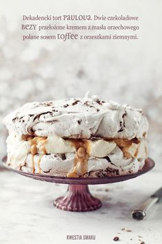 Decadent Chocolate Meringue Pavlova with Peanut Butter Cream Chocolate Pavlova, Chocolate Meringue, Meringue Cake, Decadent Chocolate, Meringue Pavlova, Just Desserts, Delicious Desserts, Yummy Food, Sweet Recipes