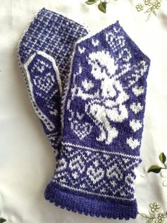 Amors piler Fingerless Mittens, Knit Mittens, Mittens Pattern, Wrist Warmers, Nordic Style, Color Combinations, Cowl, Knitting Patterns, Kittens