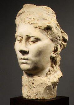 Ela faz uma dessas caras, onde ficamos sabendo que Rose foi por muito tempo ignorada.  http://gabineted.blogspot.com.br/2014/10/ela-faz-uma-dessas-caras.html  Auguste Rodin faz aqui uma escultura representando o rosto de sua companheira, Rose Beuret. Coisa rara para um retrato: suas pálpebras estão baixadas, e seus olhos quase fechados.