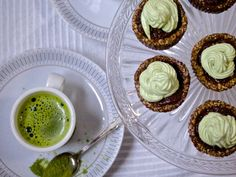 My matcha moment (with mini raw cakes)