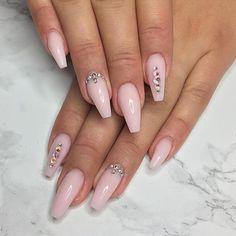 @nailsbysarahs baby pink