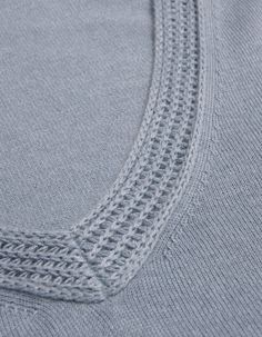 Farhi by Nicole Farhi Wedgewood V-Neck Detail Farhi Jumper Knitwear Fashion, Knit Fashion, Sweater Fashion, Nicole Farhi, Back Neck Designs, Collor, Knitting Designs, Fashion Details, Couture
