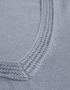 Farhi by Nicole Farhi Wedgewood V-Neck Detail Farhi Jumper Knitwear Fashion, Knit Fashion, Sweater Fashion, Collor, Knitting Designs, Fashion Details, Couture, Knitting Patterns, Knit Crochet