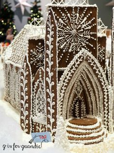 a pepperkakebyen. Hey you local readers, have any of you been to the Gingerbread Wonderland at the Norway House? This is the second year that the Norway House in Minneapolis has invited bakers to contribute a ginge… White Gingerbread House, Cool Gingerbread Houses, Gingerbread House Designs, How To Make Gingerbread, Gingerbread Village, Gingerbread Decorations, Gingerbread Cookies, Christmas Baking, Christmas Treats