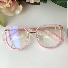 If you spend more than 2 hours a day looking at screens, you should try blue light blocking glasses and exeperience the benefits! Cute Glasses Frames, Womens Glasses Frames, Fake Glasses, Cool Glasses, Round Lens Sunglasses, Cute Sunglasses, Sunglasses Women, Fashion Eye Glasses, Outfit Trends