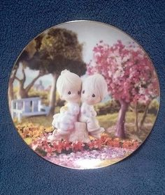 """Precious Moments Collectors Plate """"Love One Another"""" 1993."""
