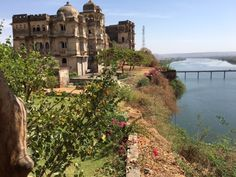 Bhainsrorgarh Fort is spectacularly positioned looking over the Chambal River. An early morning boat ride on the river was a lovely way to experience the region. Crocodiles basked in the morning sun, birds flew over head and village life continued on, while we watched from the water. The property is very relaxing, and while I was tempted to just put my feet up, I felt compelled to learn about the local cuisine, and was fortunate enough to be given my own cooking lesson.