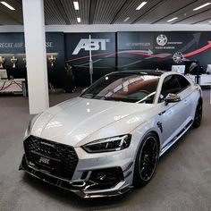Der neue Audi RS 5 in Silber Metallic.The new Audi RS 5 in silver metallic. Can I also afford an Audi RS How much are the monthly maintenance costs for an Audi RS 5 and what should you watch out for? Audi Rs5, Allroad Audi, Maserati, Bugatti, Ferrari, Peugeot, Nissan, Carros Audi, Muscle Cars