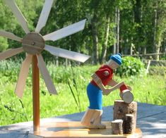 Wood Chopper Windmill : 14 Steps (with Pictures) - Instructables Woodworking For Kids, Woodworking Jigs, Woodworking Projects Plans, Wooden Windmill, Windmill Diy, Wood Projects, Projects To Try, Wooden Wheel, Picture On Wood