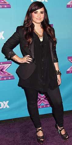 Demi Lovato The X Factor And Former SWAC Star !! Has arrived !! My idol !!