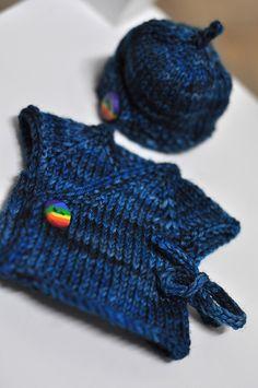 Ravelry: Some Tiny Hugs Mini Kimono and Beanie Set pattern by Joy Boath (currently knitting for tiny premature babies)