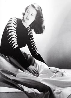 Gloria Vanderbilt by John Rawlings Hollywood Party, Vintage Hollywood, Hollywood Glamour, 1940s Fashion, Fashion Vintage, Doris Duke, Anderson Cooper, Vintage Fashion Photography, Gloria Vanderbilt