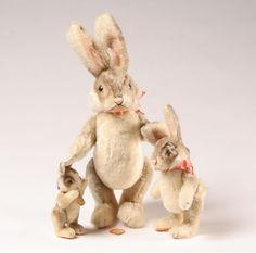 Beautifully made Steiff Rabbit Family