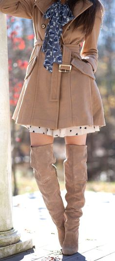Gorgeous Long Brown Coat with Long Shoes, visit us for more details--cuuute coat Looks Street Style, Looks Style, My Style, Fashion Moda, Look Fashion, Womens Fashion, Fashion Outfits, Long Brown Coat, Cute Coats