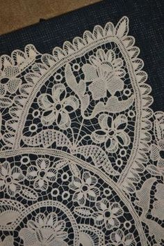 Irish Crochet, Crochet Motif, Crochet Lace, Romanian Lace, Point Lace, Lace Outfit, Linens And Lace, Needle Lace, Irish Lace