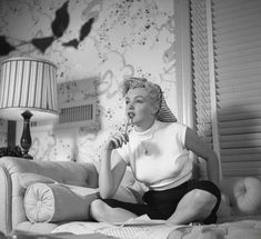 Marilyn in her dressing room at Fox Studios. Photo by Earl Theisen, 1952.
