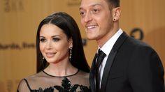 Mandy Grace Capristo und Mesut Özil sollen wieder ein Paar sein - http://ift.tt/2bdT7ok