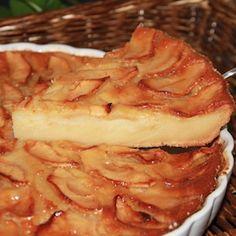 Tarta de manzana Just Desserts, Delicious Desserts, Dessert Recipes, Yummy Food, Apple Recipes, Sweet Recipes, Thermomix Desserts, Fast Easy Meals, Portuguese Recipes
