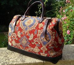 Bohemian carpet bag pattern sew liberated sewing handmade tote bag tutorial fresh pattern for carpet bag victorian shabby chic mary poppins of handmade free carpet bag pattern printed panion carpet bag pattern by h sewing pattern available at purple Bag Pattern Free, Bag Patterns To Sew, Cuir Vintage, Tapestry Bag, Carpet Bag, Boho Bags, Beautiful Bags, Louis Vuitton Speedy Bag, Travel Bags