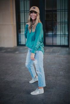 Posts from ashleeknichols | LIKEtoKNOW.it Mom Outfits, Stylish Outfits, Fashion Group, The Chic, Mom Style, Outfit Posts, Affordable Fashion, Personal Style, Autumn Fashion