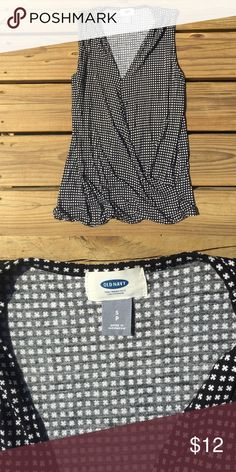 NWOT Patterned Faux Wrap Top Excellent condition!Never worn. No flaws. Perfect for jeans or shorts at your weekend bbq party! Old Navy Tops