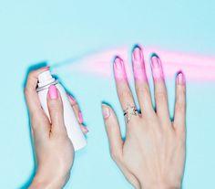 Mennyire jó ötlet! Fújd gyönyörűre a körmöket!
