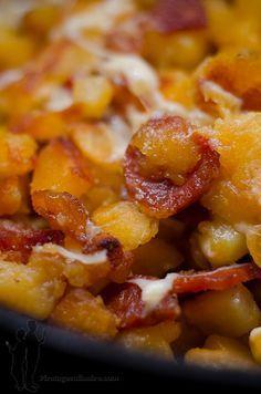 Aujourd'hui, je vous propose : une poêlée de pommes de terre sautées au chorizo et à l'emmental...et vu les températures froides qu'il y a...