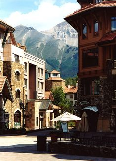 Beautiful Telluride, Colorado lies deep within the Le Colorado, Telluride Colorado, Living In Colorado, Colorado Homes, Colorado Mountains, Oh The Places You'll Go, Places To Travel, Places To Visit, Travel Destinations