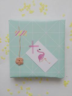 Summerwrapping met cadeaukaart flamingo