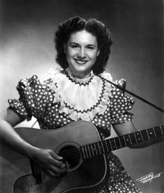Kitty Wells... Dust on The Bible