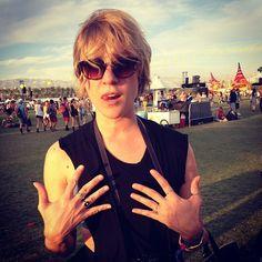 Chloë Sevigny. Image via VERAMEAT Chloe Sevigny, Coachella, Love Her, Actresses, Fes, Mystery, How To Wear, Image, Ring