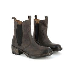 PLDM by Palladium est une compagnie qui fait son entrée cette saison chez Tony Pappas. Leur collection est renversante! Ce modèle de Chelsea boot est fait dans un cuir de haute qualité.