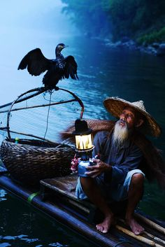 Photograph old fisherman by Roy Chan on Art Cube, Old Fisherman, Japanese Drawings, Inspiration Art, Quelques Photos, D&d Dungeons And Dragons, Guilin, Travel Tours, People Of The World