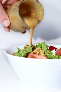 VINAGRETA VIETNAMITA:   2 cucharadas de cada: mostaza Dijon, zumo naranja, vinagre balsámico, salsa soja , aciete oliva, aceite girasol + 1 vinagre vino + 2 dientes ajo + Pimienta negra