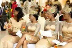 Need some inspiration on the design or styles of hats & fascinators you'd like your bridesmaids to wear? Today, we have 24 beautiful bridesmaids head fascinators & hats African Bridesmaid Dresses, African Wedding Attire, Beautiful Bridesmaid Dresses, African Attire, Wedding Dresses, Gold Lace Dresses, Mode Glamour, Shweshwe Dresses, African Traditional Wedding