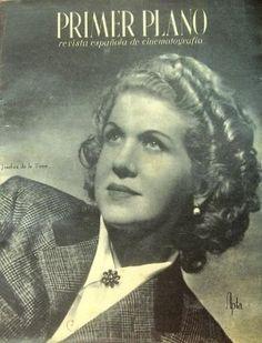 """Revista de carácter cinematográfico """"Primer Plano"""" donde Josefina escribe (1942)."""