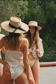Australian stylish women's hat brand Lack of Color's new summer collection, Summer of Sun, takes you on a journey of travel and exploration.