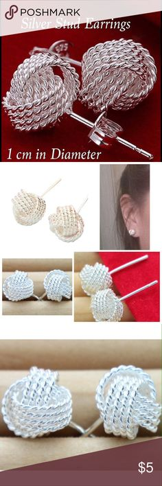 ✨❤️ Silver Rose Stud Earrings ✨Lovely pair of Silver Rose Stud Earrings Mesh ball design, and is approximately 1cm in size.  Would make a beautiful gift for that special someone, or a lovely gift for yourself.  Diameter: 1cm Jewelry Earrings