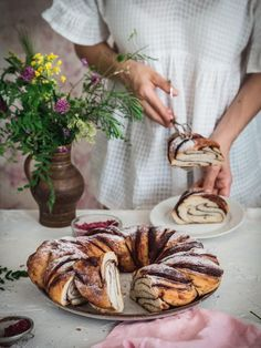 Čokoládový veniec z kvásku - Zo srdca do hrnca Sweet Recipes, Ham, Camembert Cheese, Baking, Cakes, Food, Ideas, Basket, Cake Makers