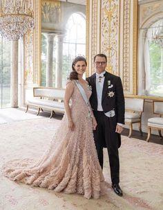 10th Wedding Anniversary, Anniversary Gifts For Couples, Anniversary Ideas, Princess Victoria Of Sweden, Crown Princess Victoria, Homemade Wedding Gifts, Swedish Royalty, Prince Daniel, Royal Brides