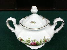 "BEAUTIFUL JOHANN HAVILAND TRADITIONS MOSS ROSE SUGAR BOWL w/ LID 3 1/4"" ***WANT THIS***"