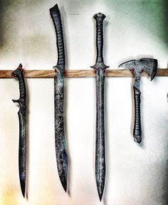 knives, guns, and tactical gear : Photo
