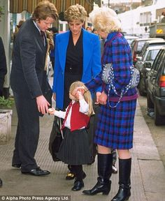 diana and her father   Kitty with her father Earl Spencer, Princess Diana and her grandmother ...
