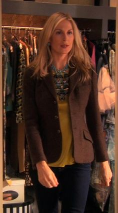Lily Bass, Gossip Girl, Season 3 episode 13 I love it when she wears her hair down Gossip Girl Outfits, Gossip Girl Fashion, Fashion Tv, Love Fashion, Autumn Fashion, Fashion Outfits, Gossip Girls, Kelly Rutherford Style, Estilo Gossip Girl