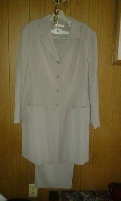Amanda. Smith two pic suit pants. V Pretty 4 woman size 20 W . F 4 $40.00 $40.00