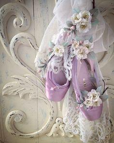 Beautiful lavender ballet pointe shoes