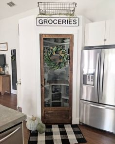 136 cool farmhouse decor ideas for laundy room 14 Kitchen Pantry Doors, Glass Pantry Door, Kitchen Redo, Kitchen Remodel, Kitchen Ideas, Pantry Ideas, Screen Door Pantry, Rustic Pantry Door, Pantry Room