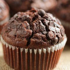 Baking Recipes, Cookie Recipes, Dessert Recipes, Homemade Chocolate, Chocolate Desserts, Chocolate Muffin Recipes, Chocolate Chocolate, Double Chocolate Chip Muffins, Chocolate Muffins Moist